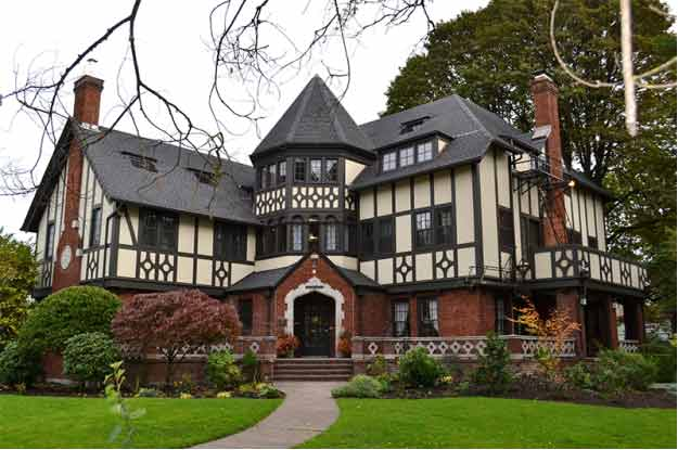 Groovy The 10 Best Sorority Houses In America Fall 2015 Greekrank Largest Home Design Picture Inspirations Pitcheantrous