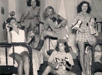 Photo Of Sorority Girls From 1944
