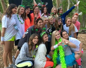 KD Hosts Glow Run For Prevent Child Abuse America